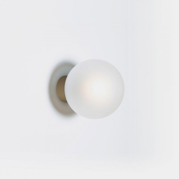 STELLAR ONE WALL LIGHT by Pulpo