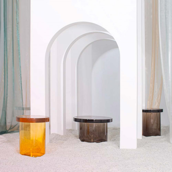 Alwa Three table by Pulpo amber and grey