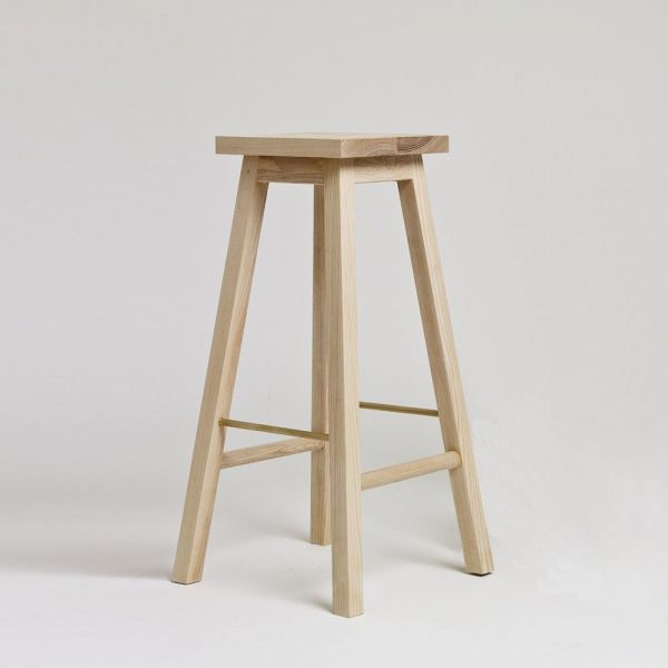 tabouret bois series 2 mise en scène by another country