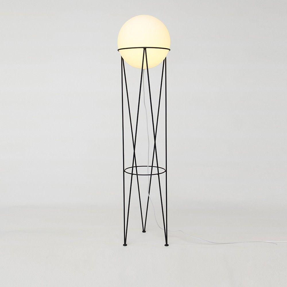 lampadaire structure and globe by atelier areti