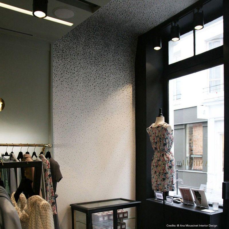 papier peint fade to grey dans une boutique by alix waline for chiara colombini