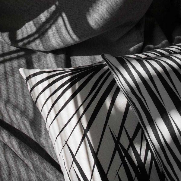 coussin palm springs  by Nina  kullberg mise en scène