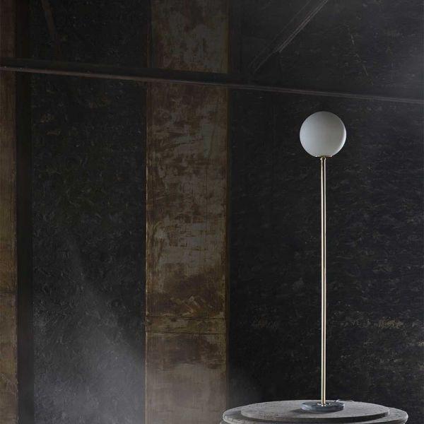 floor lamp 6 black background by magic Circus