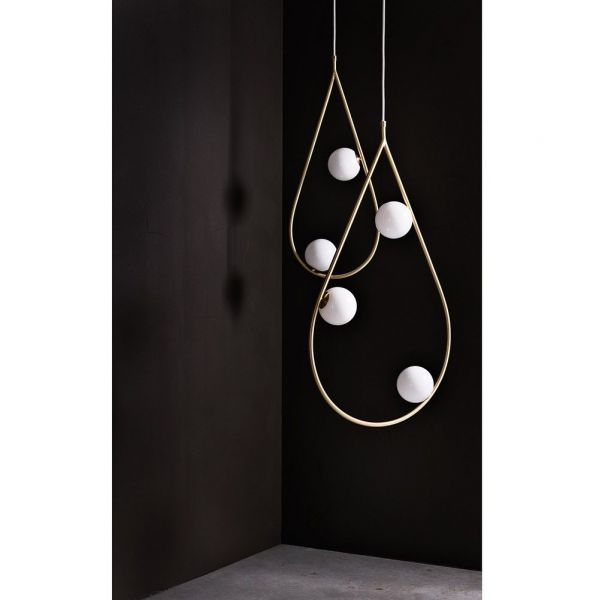suspension pearls by pholc mise en scene