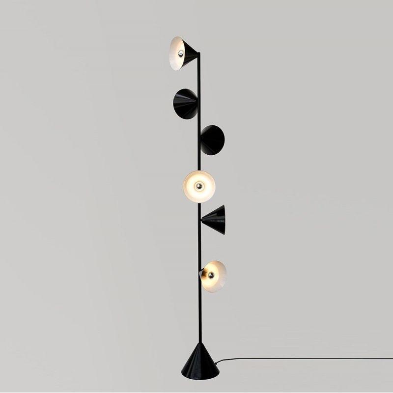 Lampadaire Vertical 1 sur fonds gris