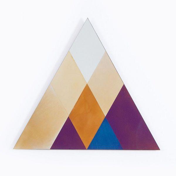miroir transience triangle fond blanc