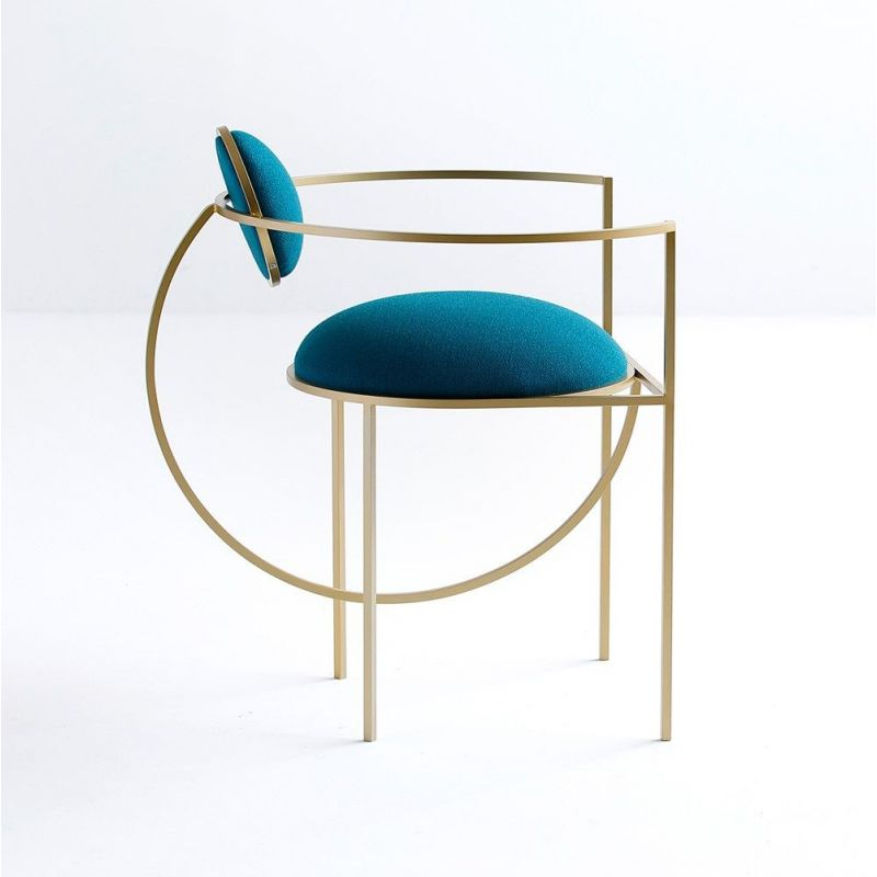 chaise lunar fond blanc by bohinc studios