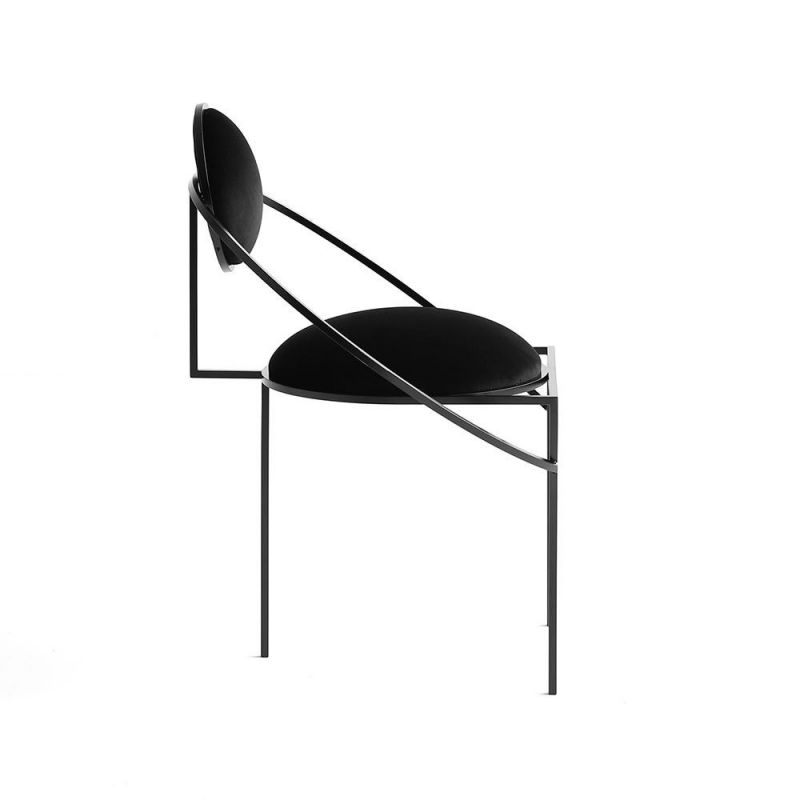 chaise orbit armchair fond blanc by bohinc studio