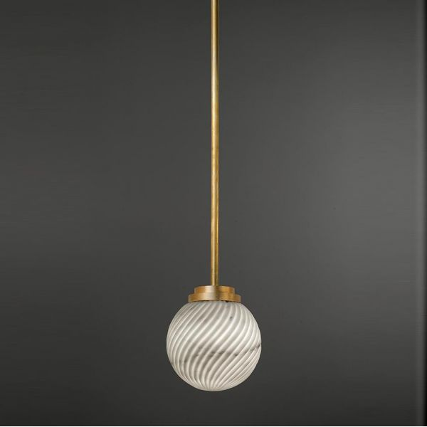 VICTORIA PENDANT by Editions Milano black background