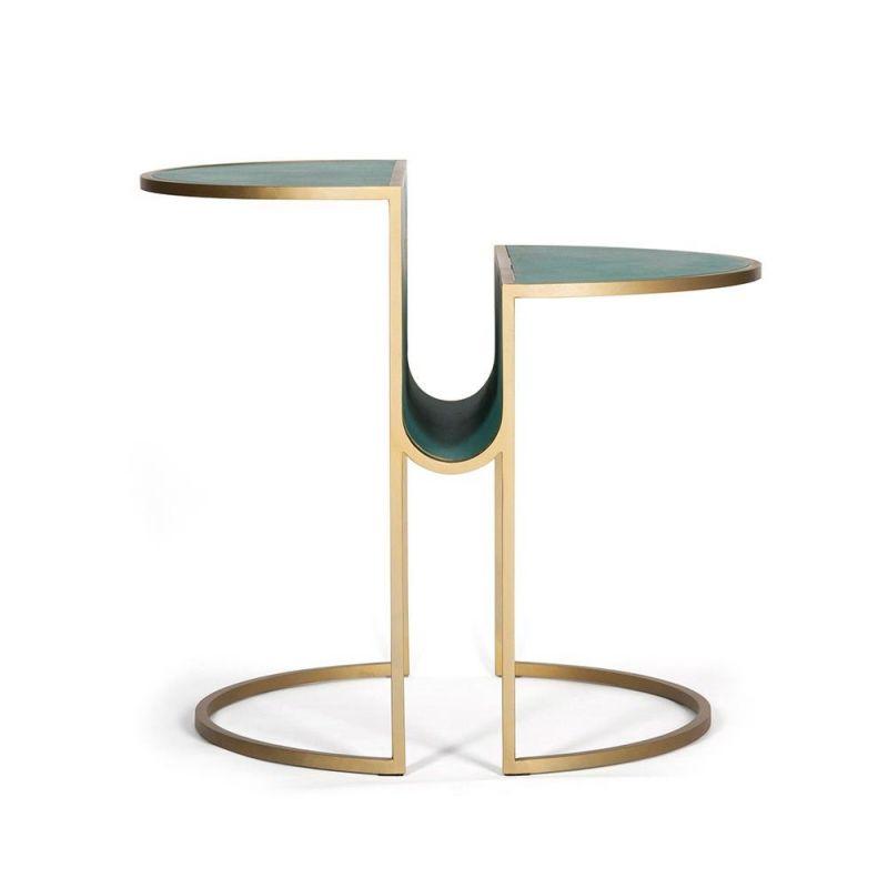 table d'appoint  orbit vert by bohinc studio