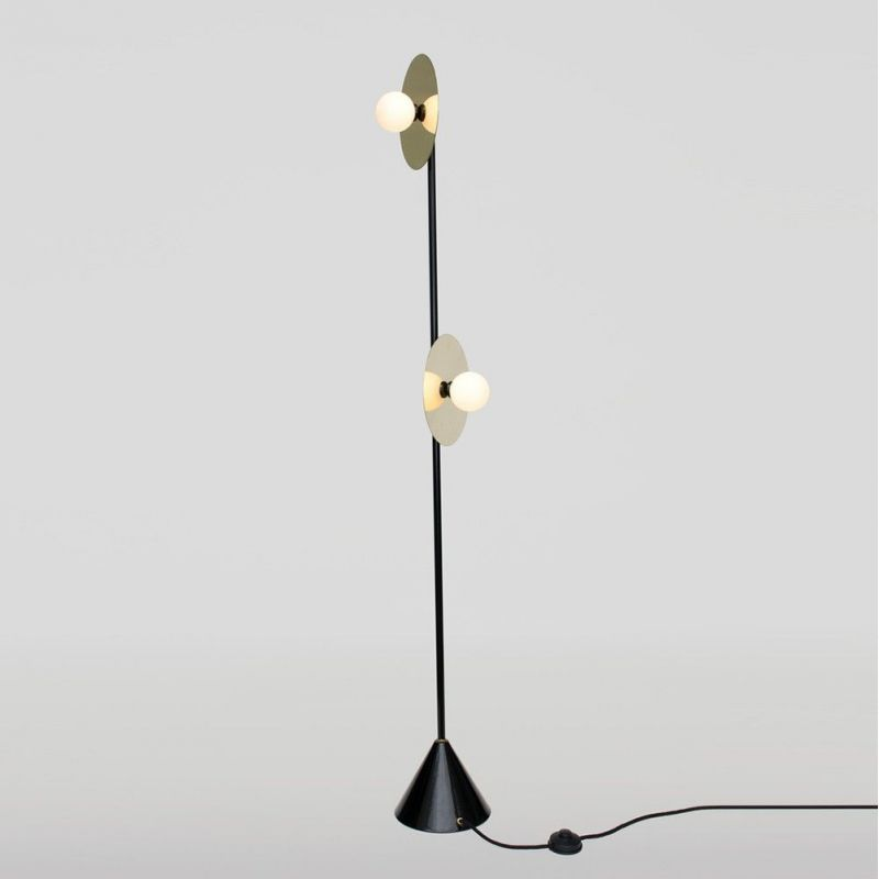 lampadaire disc et sphere fond blanc by areti