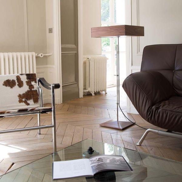 AR1 floor light in a sitting room by disderot