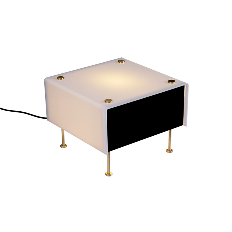 g 60 table lamp white background by sammode