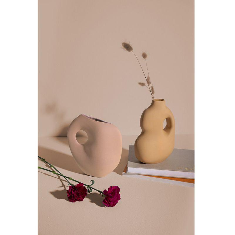 Aura vase by Schneid studio styled