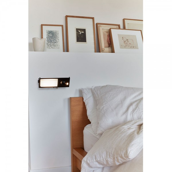applique de tête de lit Biny dans une chambre