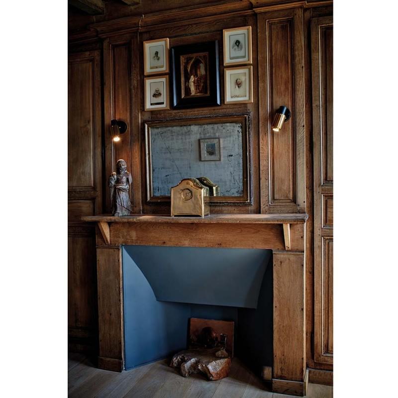 applique murale biny spot sur une cheminer by dcw editions