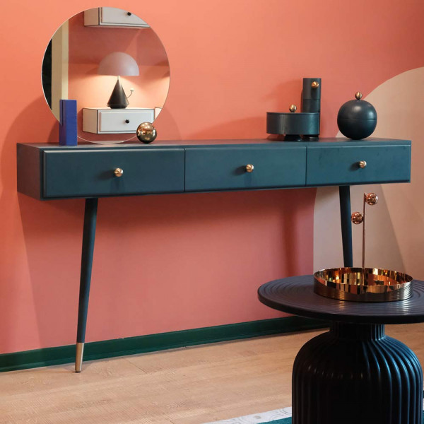 Miroir Looking For Dorian by Maison Dada sur commode
