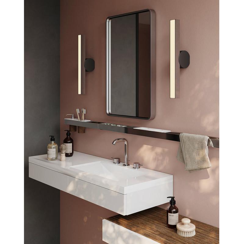 Applique Calee IP44 vertical dans la salle de bain by CVL Luminaires