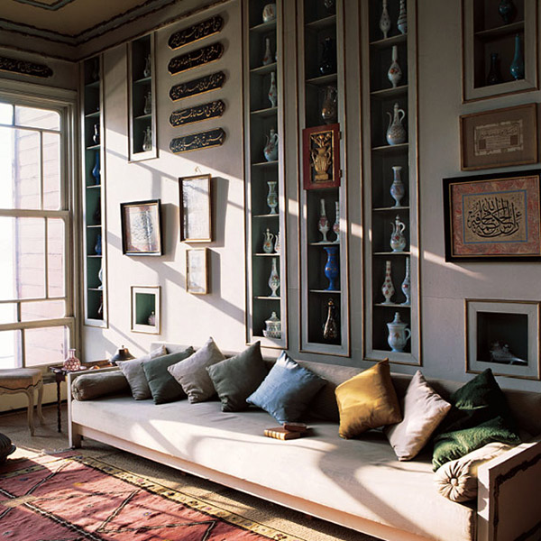 sule gazioglu 39 s lookbook chiara colombini. Black Bedroom Furniture Sets. Home Design Ideas